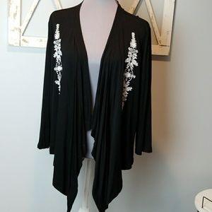 Karen Kane XL black shrug embroidered flowers